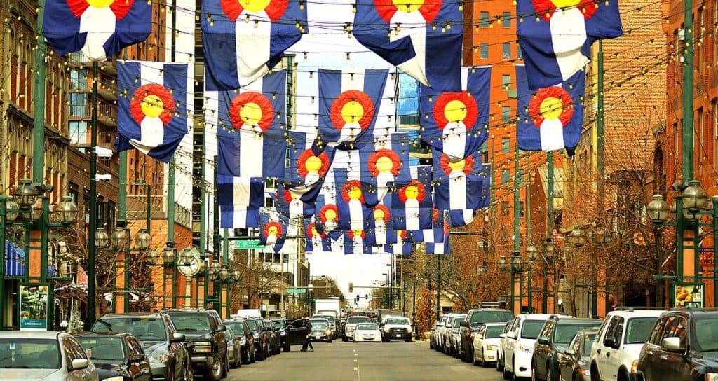 The colorado flag decorating Larimer Street